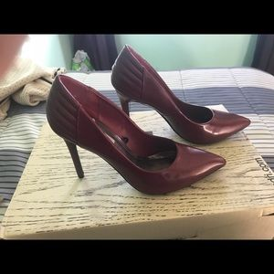 Steve Madden Burgundy pumps